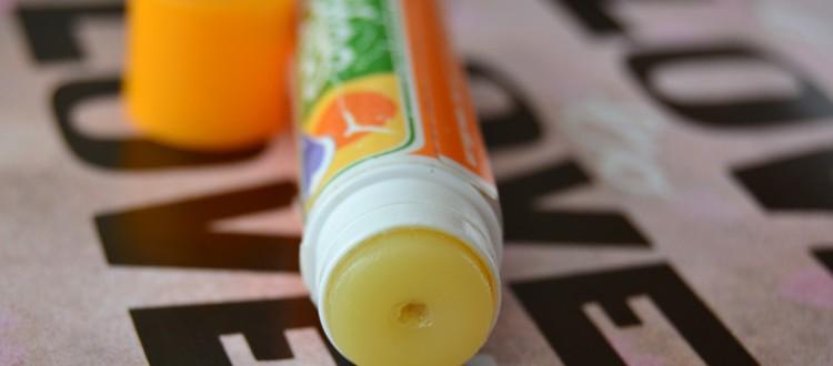 balsam-buze-hidratant