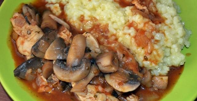pui-cu-ciuperi-orez-si-curry