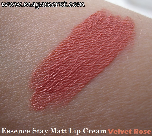 swatch Essence Stay Matt lip cream