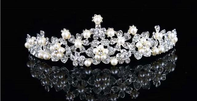 tiara cu perle